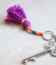 Yarn-Tassell-Keychain-Kids-Craft