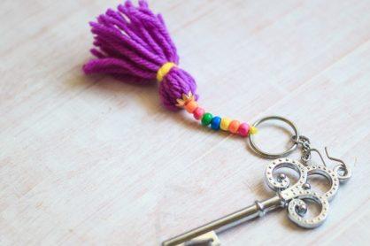 Yarn-Tassell-Keychain-Kids-Craft