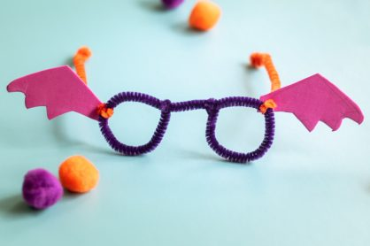 These Bat-tastic Bifocals are a super fun addition to your Halloween party or costume. They are super quick, mess-free and use just Pipe Cleaners and Craft Foam