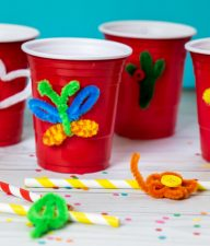 Are you planning a party for kids? You'll love these DIY Pipe Cleaner Drink Glass Markers that are both fun to make & functional too!