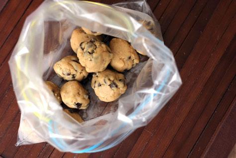 frozen-cookie-dough-balls1