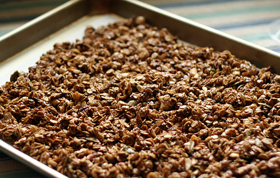 Baking Gingerbread Granola @makeandtakes.com