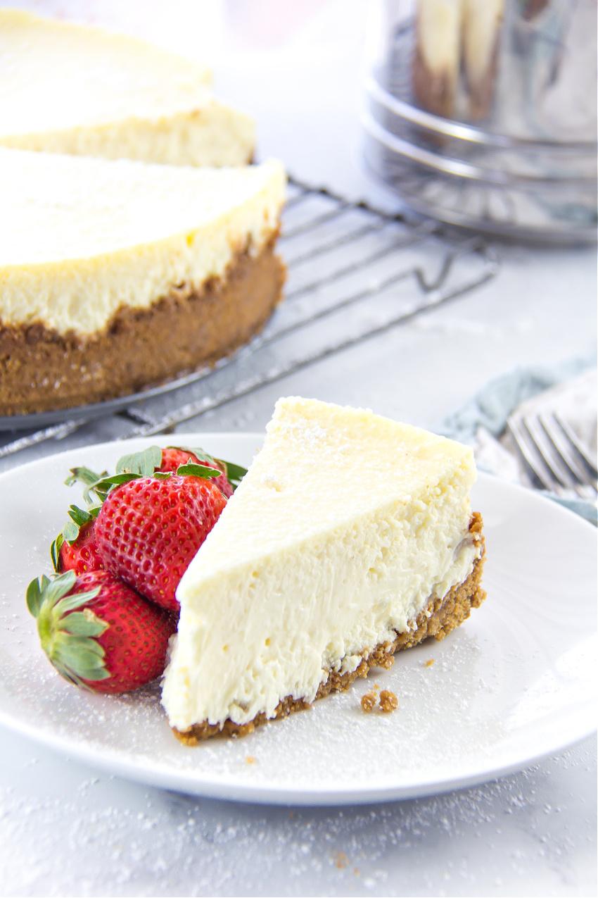 https://www.makeandtakes.com/wp-content/uploads/gluten-free-cheesecake-recipe.jpg