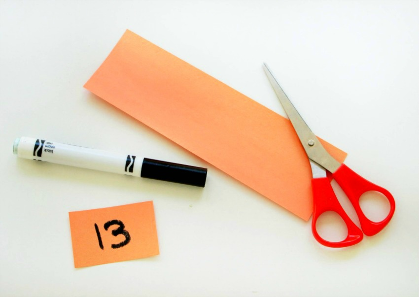 DIY Halloween countdown pocket chart from construction paper