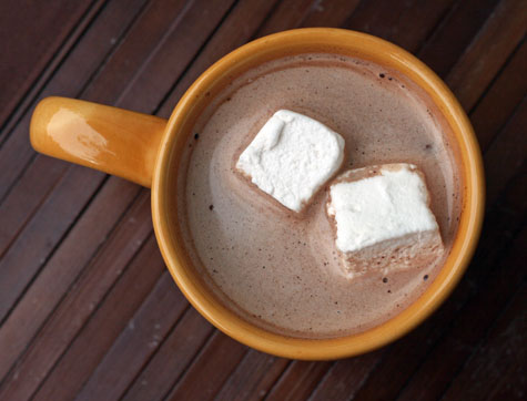 homemade marshmallows in hot chocolate web m&t