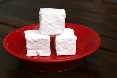 homemade marshmallows3 web m&t