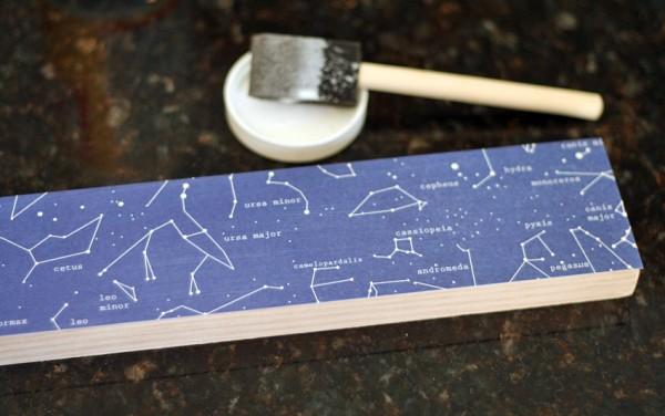 Patterned paper hook rack