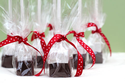 Holiday Gift Idea: Hot Chocolate on a Stick | Make and Takes