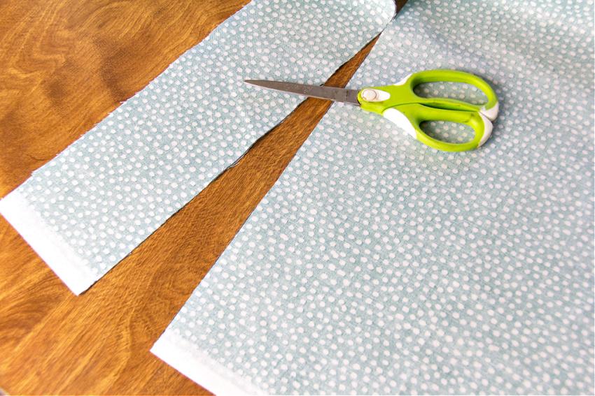 fabric cut into 3.5 inch strips