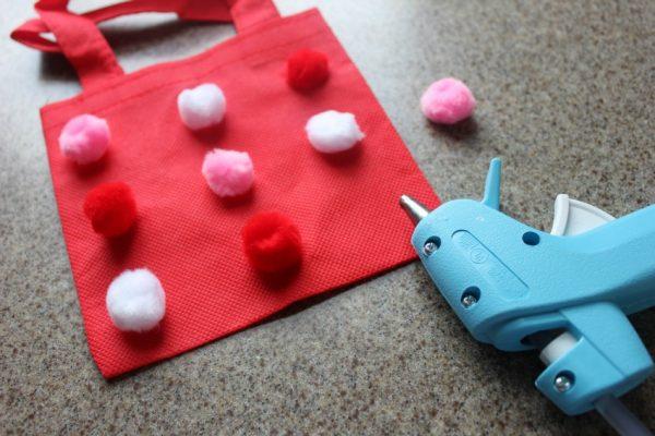 how to make a pom pom bag craft with kids