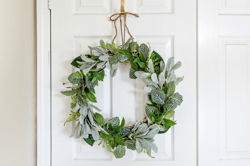 how to make a simple diy evergreen wreath make and takes