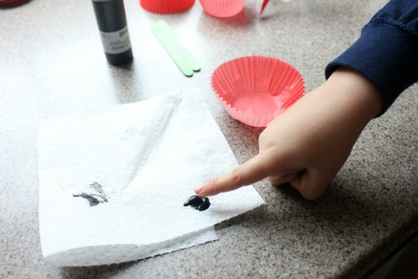 how to make a poppy flower craft with kids