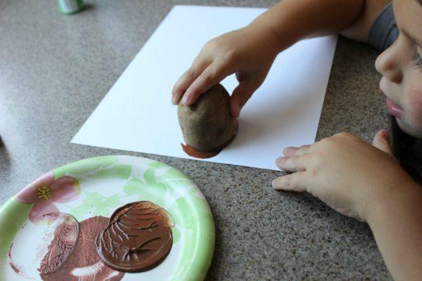 how to make potato print turkey craft with kids