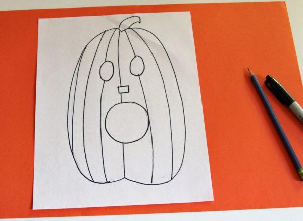 Drawing a Jack-o'-lantern for Zentangle doodling