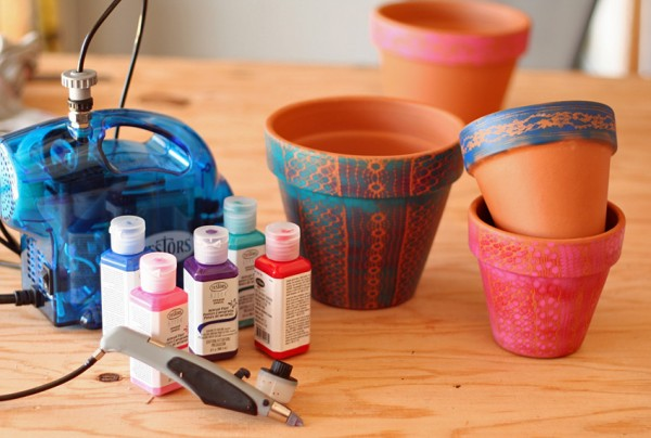 Family airbrush flower pot painting project