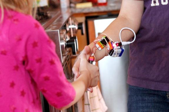 littleBits Hand Trick Buzzer @makeandtakes.com
