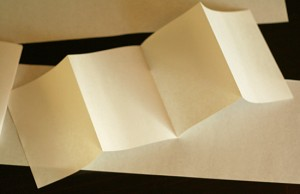 Accordion fold for paper garland