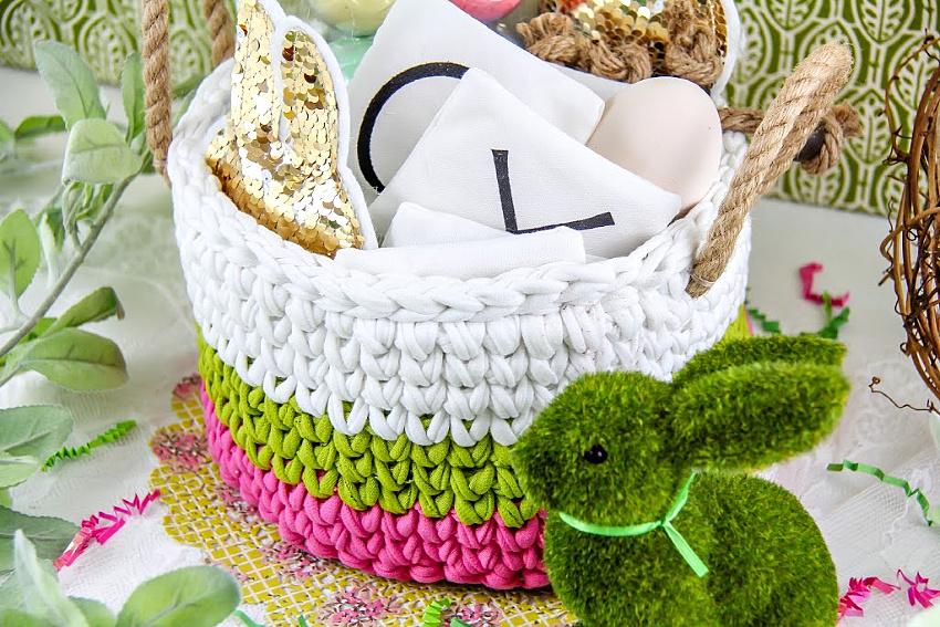 Make a T-Shirt Yarn Crochet Easter Basket | Make and Takes