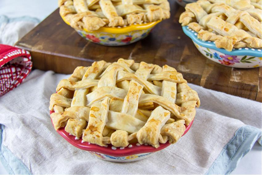 individual apple pies with lattice top