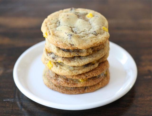 mango-chocolate-chip-cookies