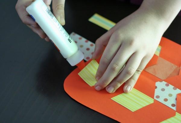 Paper weaving pumpkin craft