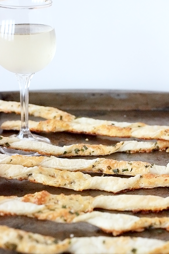 parmesan-and-mozzarella-cheese-straws