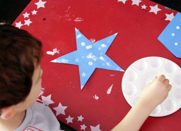 Patriotic banner craft for kids