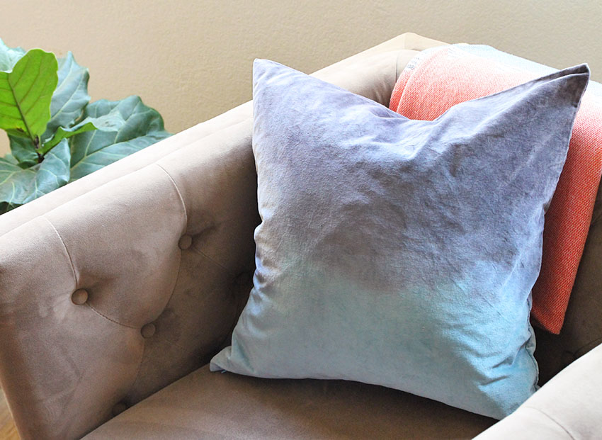 DIY dip dyed velvet throw pillow