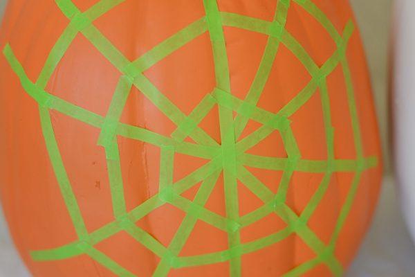 spider-web-pumpkin-5