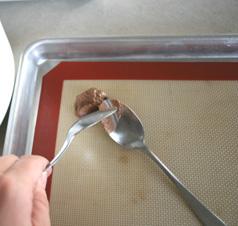 spoon-chocolate-drop-cookies