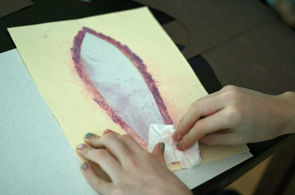 Stenciling turkey feathers with chalk