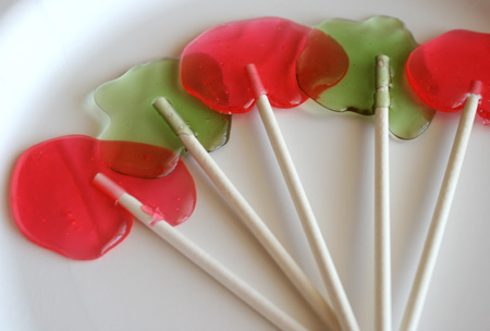 Wonky Homemade Lollipops | Make and Takes