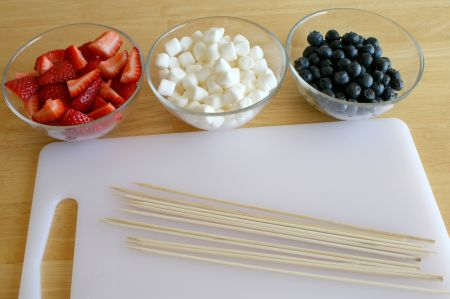 supplies-for-fruit-kabobs