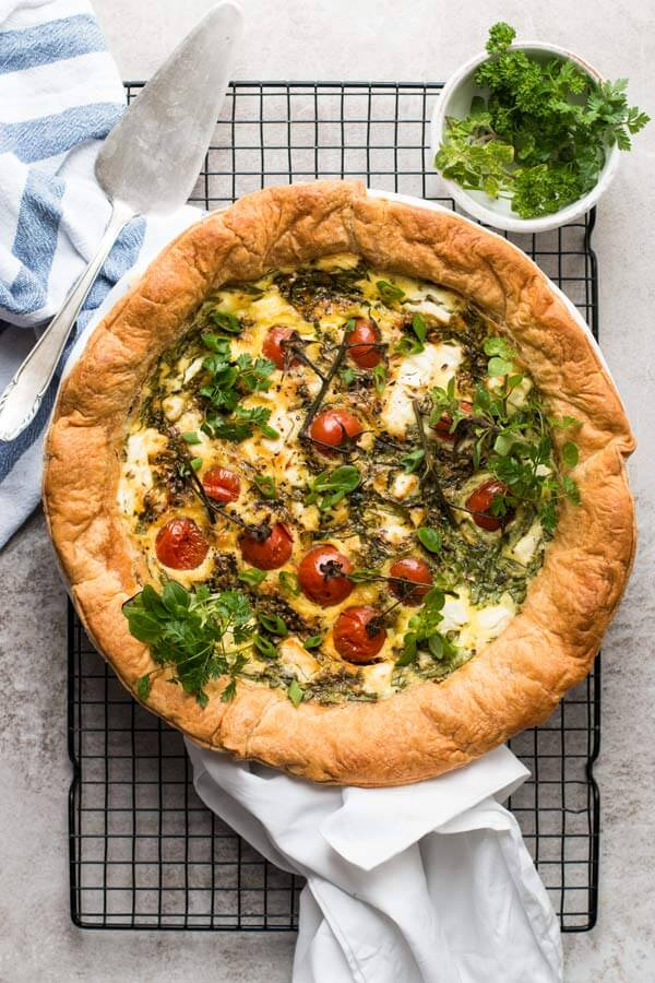 Spinach Feta Quiche with Tomatoes