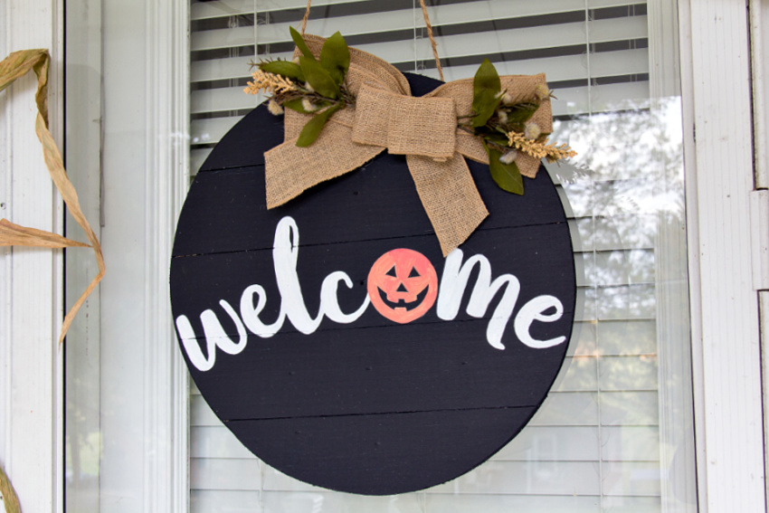 How To Make A Fall Welcome Door Hanger Make And Takes