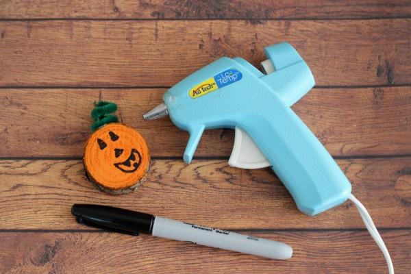 How to make wood sliced pumpkins