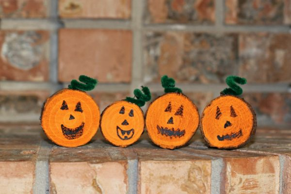 Make wood sliced pumpkins for fall